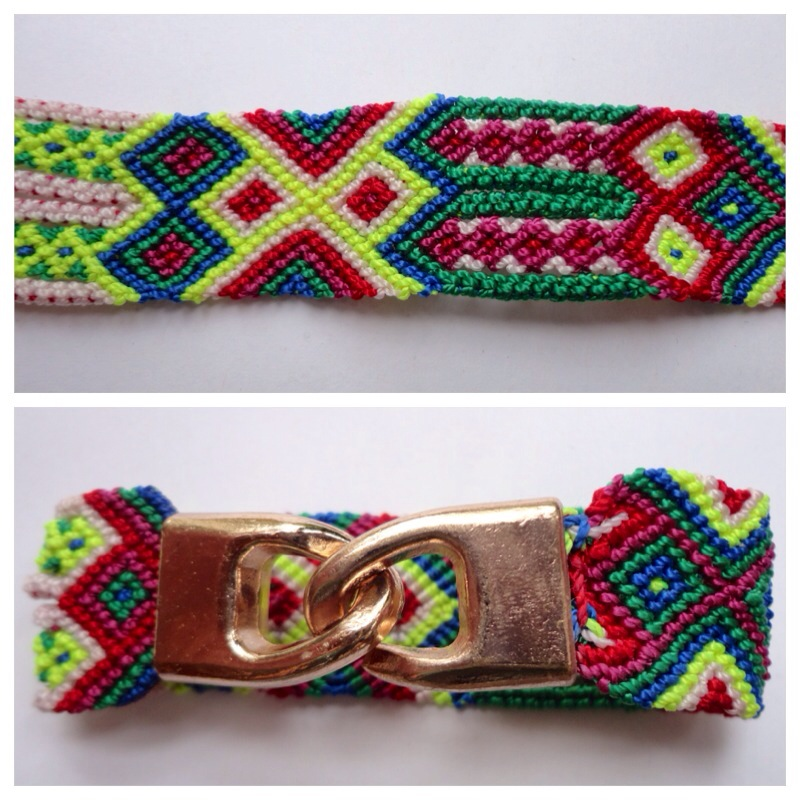 New Items / Small Mexican friendship bracelet with golden hooks clasp - Style SH0002 / Unique hand woven bracelets that reflect the colorful mexican culture while keeping it chic. From the beach, to the bar, from the mountain, to the club, these bohemian art pieces are right for every occasion.
