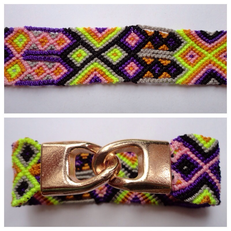 Small Mexican friendship bracelet with golden hooks clasp - Style SH0003