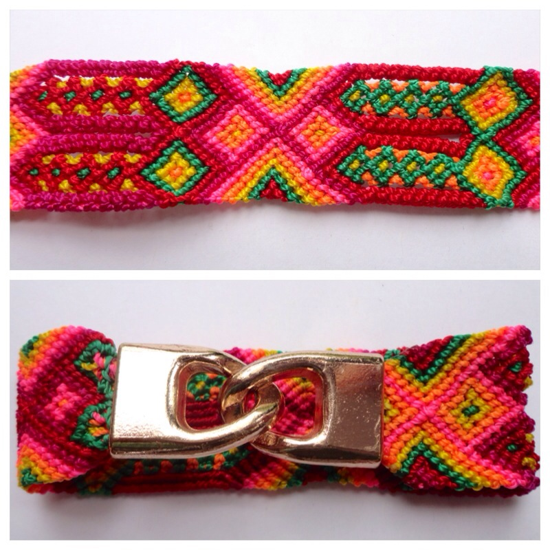 JEWELRY & ACCESORIES / Small Mexican friendship bracelet with golden hooks clasp - Style SH0007